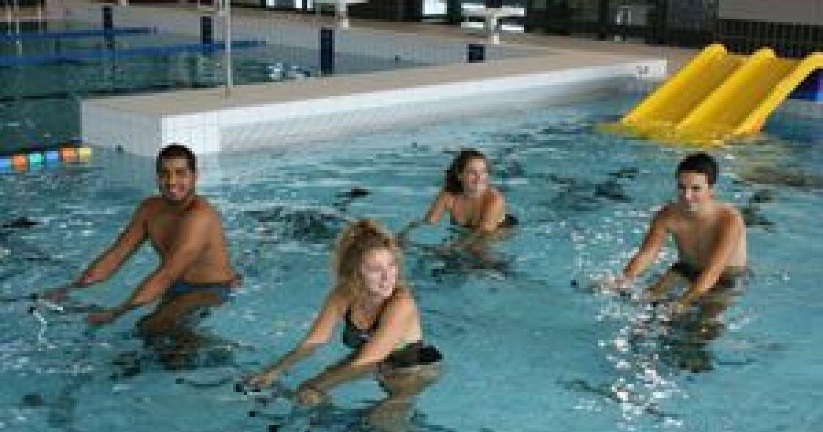 Aquatic et bowling center marconne horaires tarifs et for Tarif piscine abbeville