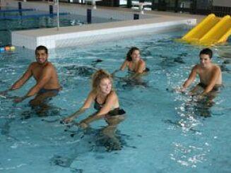 Les cours d'aquabike à la nouvelle piscine à Marconne