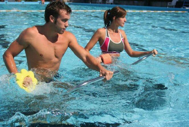 "Aquatrekking : courir sur un tapis aquatique<span class=""normal italic petit"">© Dynamika</span>"