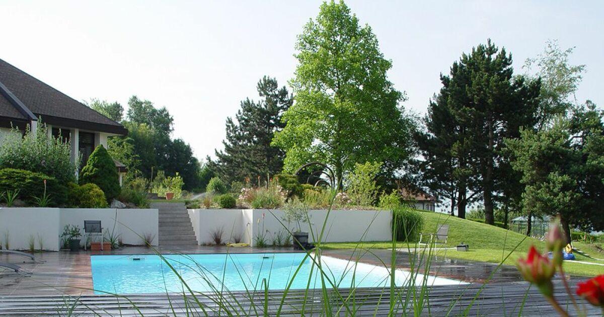 Piscine les architectes du paysage archamps for Piscine en savoie