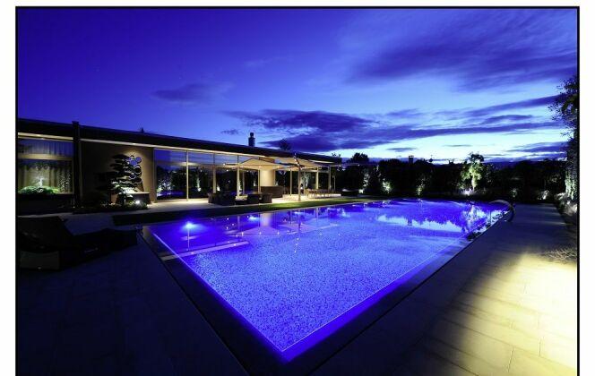 Piscine de nuit © Architectes du paysage
