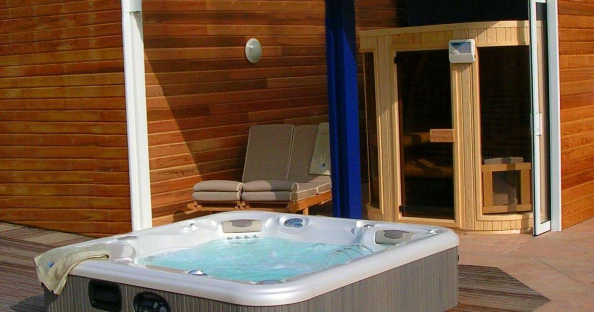 le spa ext rieur par l 39 esprit piscine. Black Bedroom Furniture Sets. Home Design Ideas