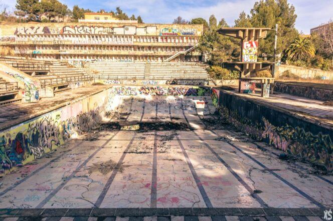 Aujourd'hui, la piscine Olympique de la Vega est complètement abandonnée