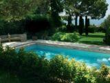 Autour de la piscine : aménager l'espace autour de la piscine