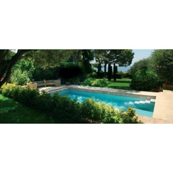 Autour de la piscine am nager l 39 espace autour de la piscine for Environnement piscine