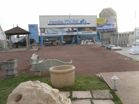 Piscine auxerre loisirs auxerre pisciniste yonne 89 for Construction piscine yonne