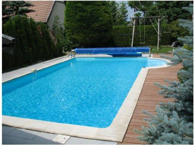 l 39 incroyable transformation d 39 une piscine traditionnelle en baignade naturelle. Black Bedroom Furniture Sets. Home Design Ideas