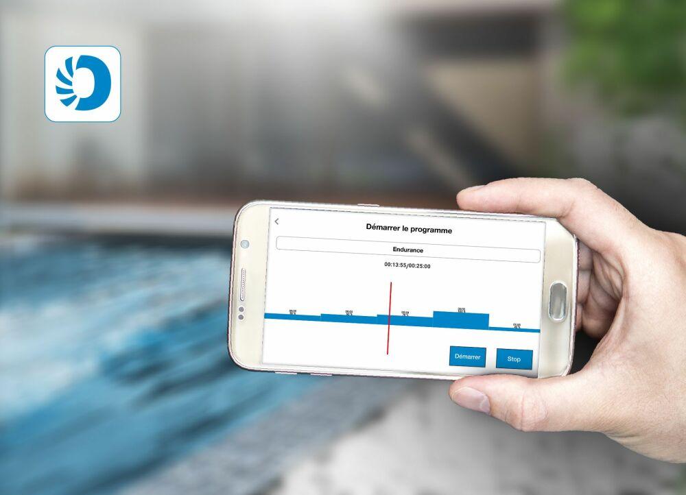 Avec la nouvelle application d'entraînement « HydroStar Next », les utilisateur des turbines de nage à contre-courant de BINDER peuvent composer leur propre programme d'entraînement.© BINDER