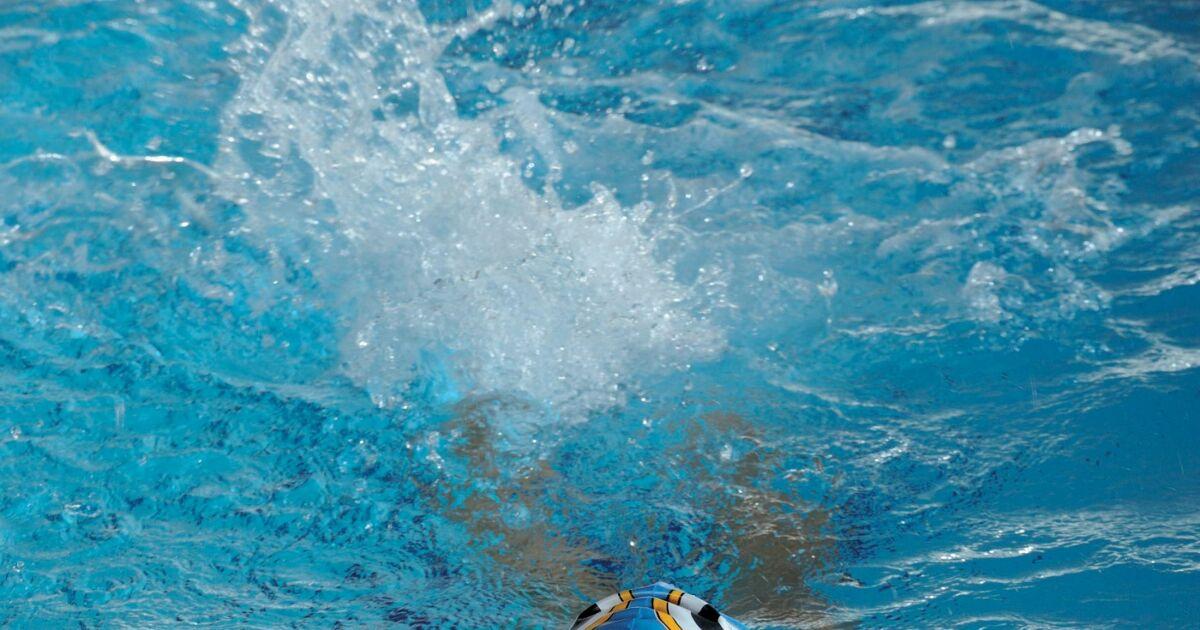 Les photos de maillots de bain arena juniors natation 2013 for Piscine et bain coulommiers