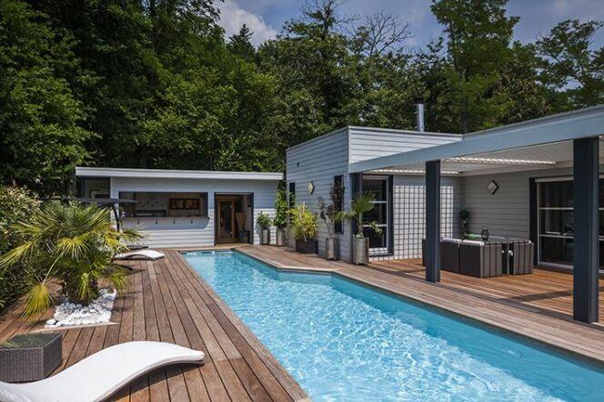 Avoir une piscine chez soi demande un budget assez conséquent.