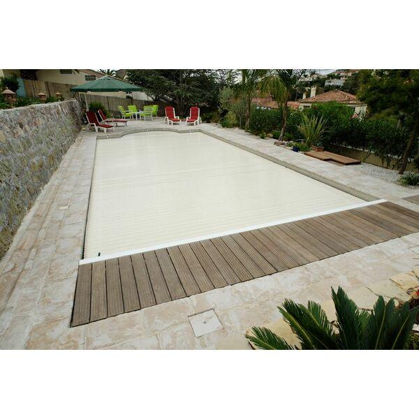 Le bac volet de piscine un endroit o ranger son volet for Volet immerge piscine