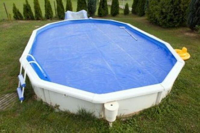 Une b che d 39 hivernage pour piscine hors sol - Filet pour piscine hors sol ...