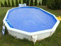 Une bâche pour piscine autoportante ou gonflable