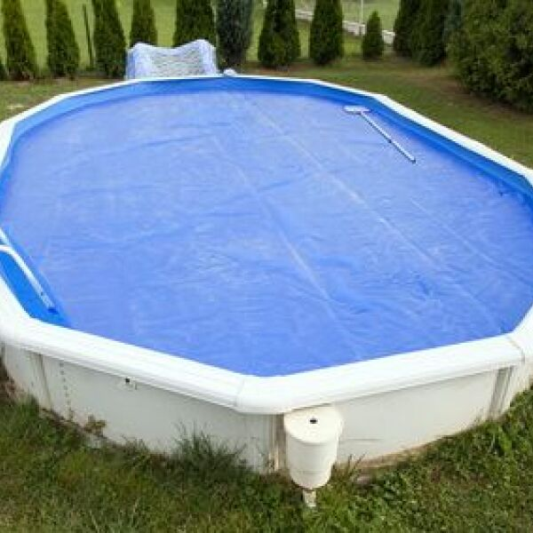 Une b che pour piscine autoportante pr servez la qualit for Baches de piscine