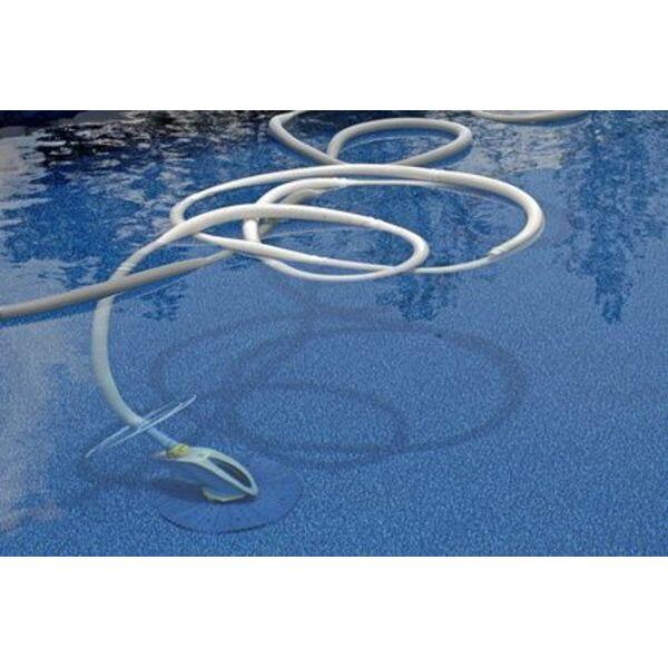 le balai automatique pour le nettoyage de la piscine. Black Bedroom Furniture Sets. Home Design Ideas