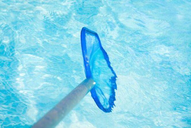 Balai de piscine hors sol : à coupler avec une épuisette