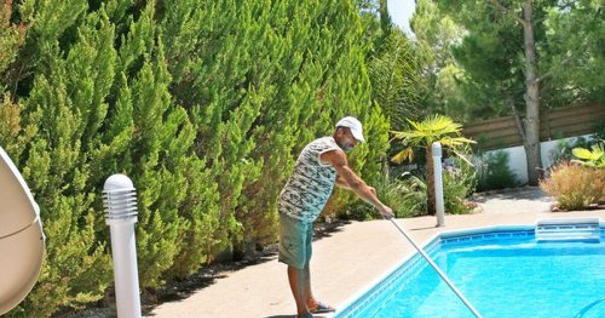 Balai t lescopique de piscine for Balai piscine