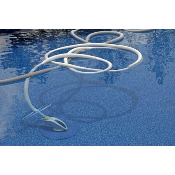 Balai de piscine pour un nettoyage en profondeur for Nettoyage piscine balai manuel