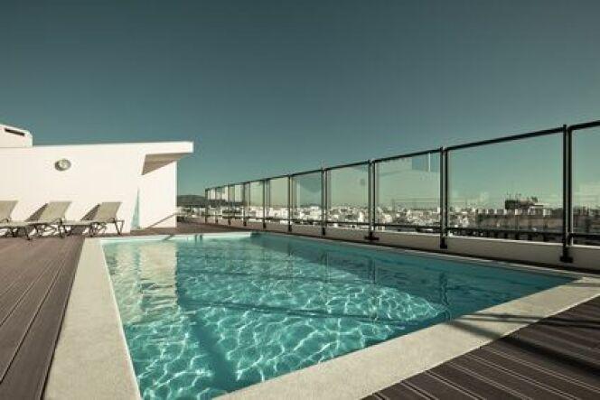 Barrière de piscine en verre