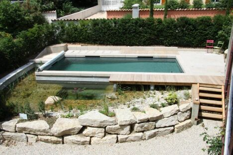 "Bassin classique (procédé BioNova Pool) BioNova <span class=""normal italic petit"">© BioNova</span>"