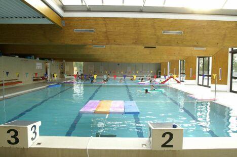 """Bassin de 25m à la piscine de Saint-Tropez<span class=""""normal italic petit"""">DR</span>"""