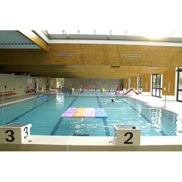 Piscine saint tropez horaires tarifs et photos for Camping saint tropez avec piscine