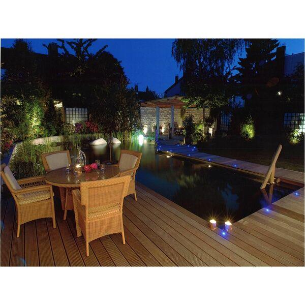 bassin de baignade naturelle avec terrasse en bois biotop. Black Bedroom Furniture Sets. Home Design Ideas