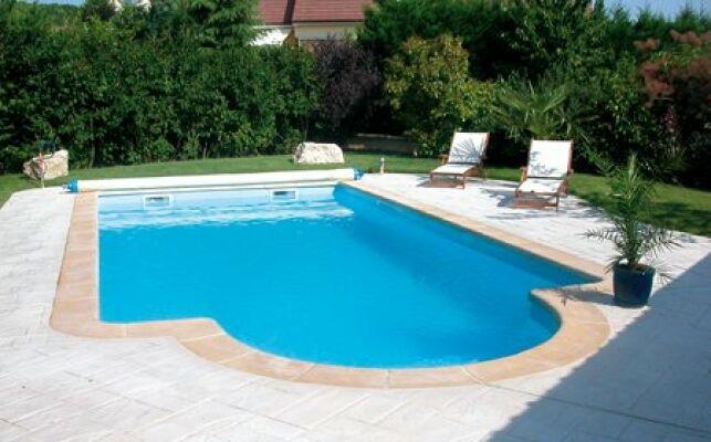 La piscine coque polyester permet de nombreuses variations.