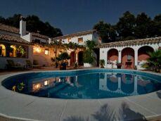 Comment bien choisir son éclairage de piscine ?