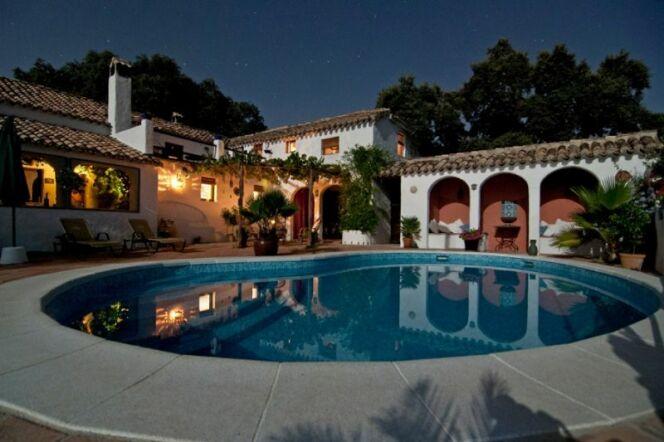 Bien choisir votre éclairage de piscine