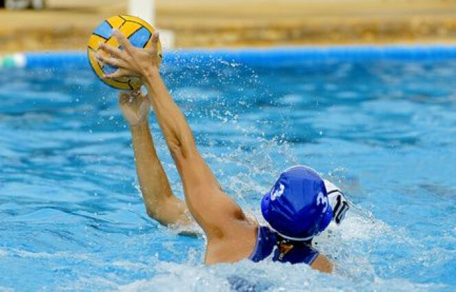 """Tous nos conseils pour bien s'échauffer avant le water-polo<span class=""""normal italic petit"""">© Maxisport - Fotolia.com</span>"""