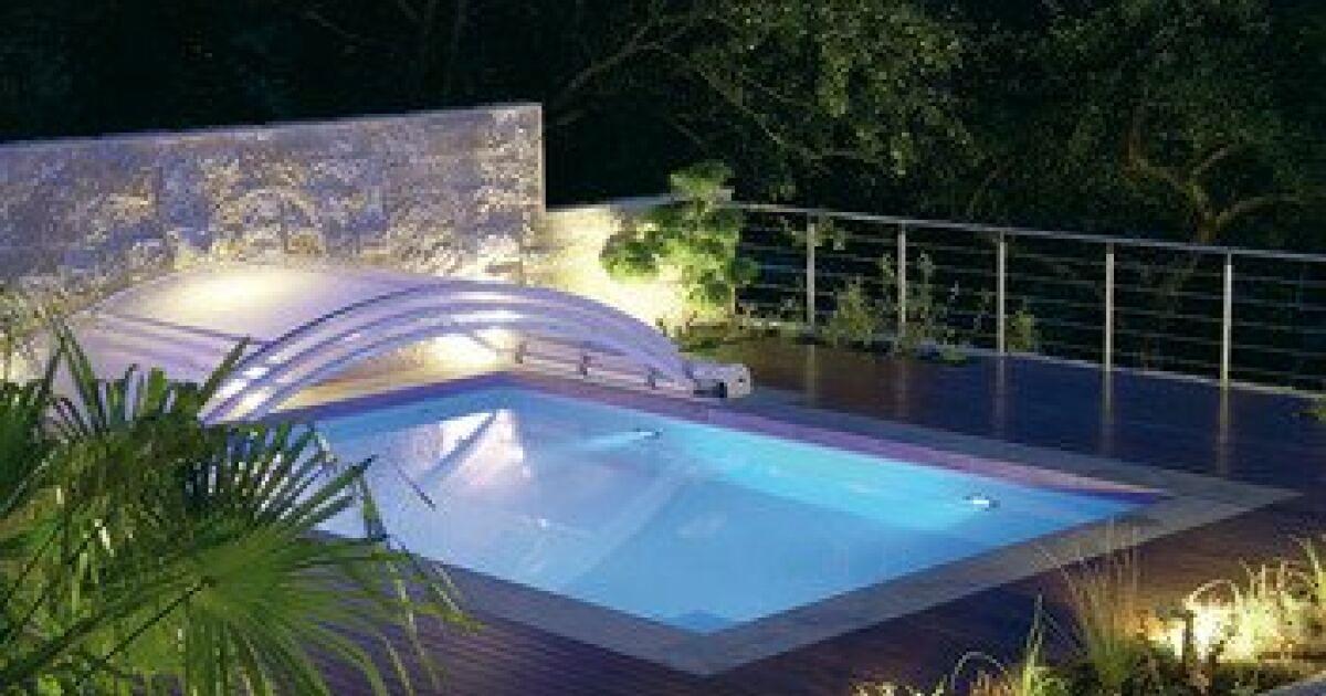 dossier bien choisir son abri de piscine. Black Bedroom Furniture Sets. Home Design Ideas