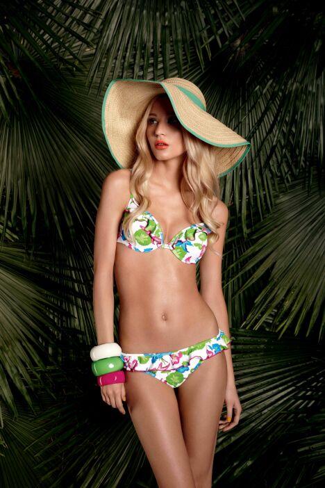 """Bikini balconnet et culotte à frous-frous collection Cabana Club Huit - été 2013<span class=""""normal italic petit"""">© Huit</span>"""