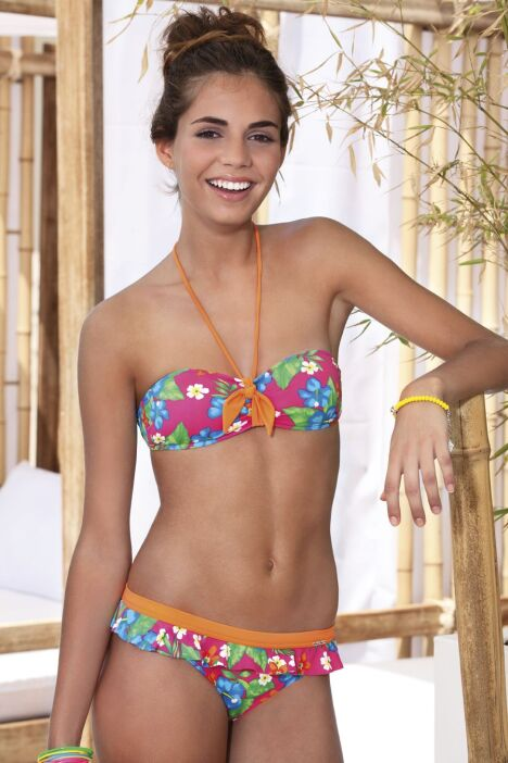 Bikini bandeau fleuri et culotte à volants Tropicana - Banana Moon 2013