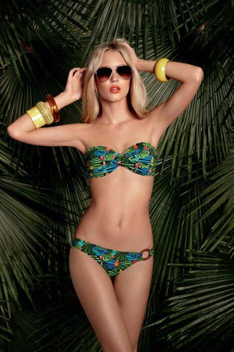 "Bikini bandeau torsadé imprimé tropical Treasure Island Huit été 2013<span class=""normal italic petit"">© Huit</span>"