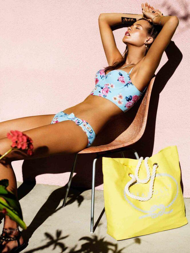 Bikini bustier bleu ciel fleuri Rococo - Seafolly été 2013