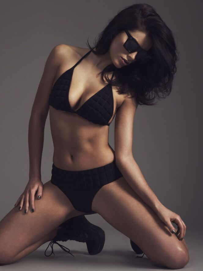 Bikini taille haute noir par Sumarie été 2014