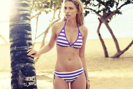 "Bikini triangle à rayures violettes - Speedo 2014 <span class=""normal italic petit"">© Speedo</span>"