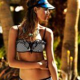 Les photos des plus beaux bikinis bandeaux et bustiers de l'été 2013