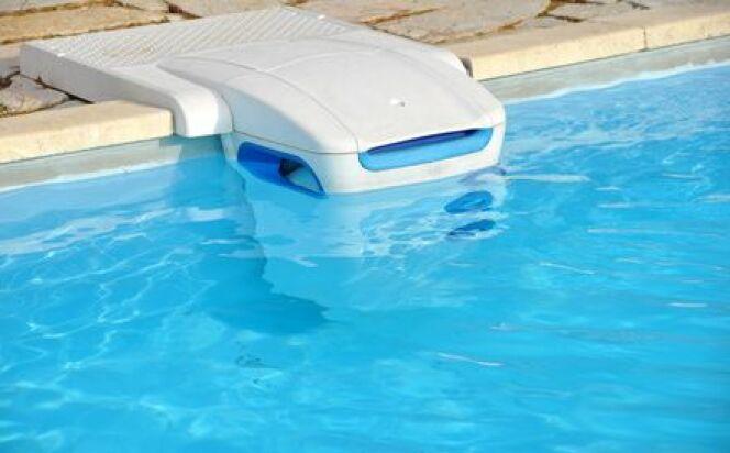 le bloc de filtration d 39 une piscine. Black Bedroom Furniture Sets. Home Design Ideas