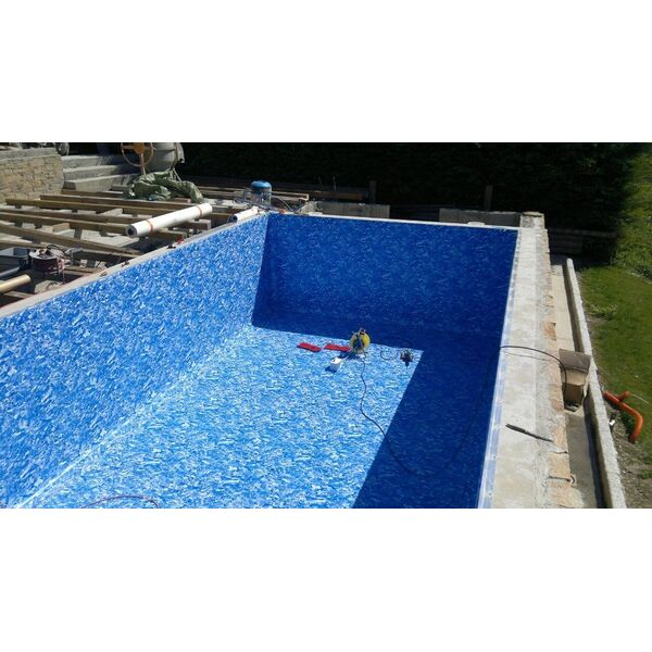 Blue lagon piscines marnaz pisciniste haute savoie 74 for Accessoire piscine 74