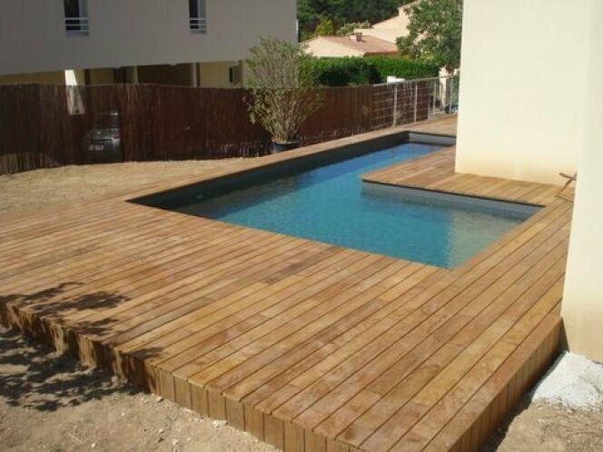 Les plus belles photos de piscines bois hors sol semi for Bord de piscine en bois