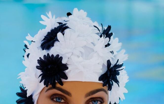 Bonnet de bain fleuri © Fashy
