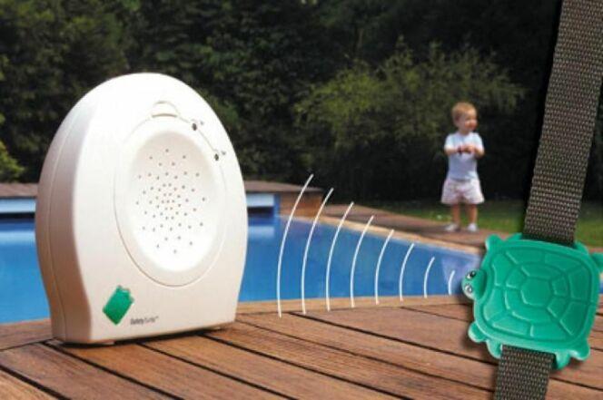 Galerie photos les accessoires b b et enfant pour la for Alarmes pour piscine