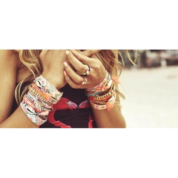 Bracelet hipanema pas cher les bons plans for Porte bracelet pas cher