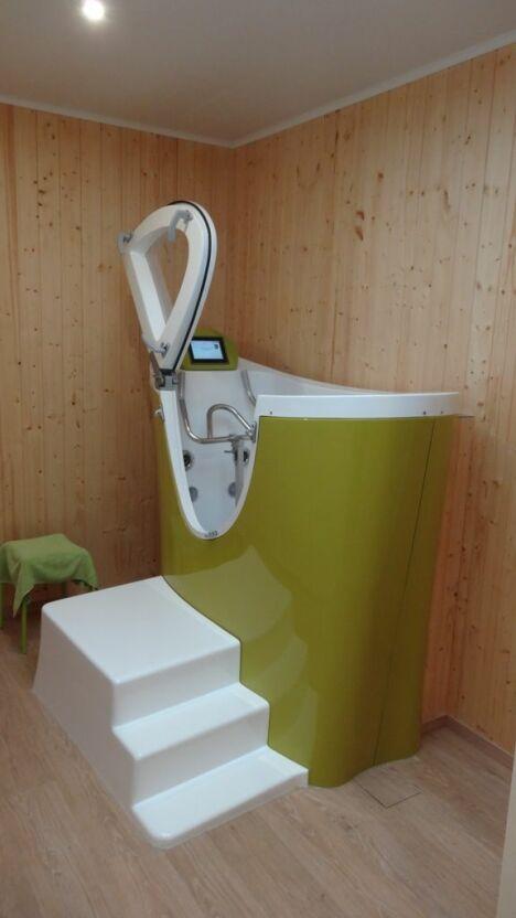 """Cabine individuelle d'aquabiking au centre A Fleur d'Eau de Wormhout<span class=""""normal italic petit"""">DR</span>"""