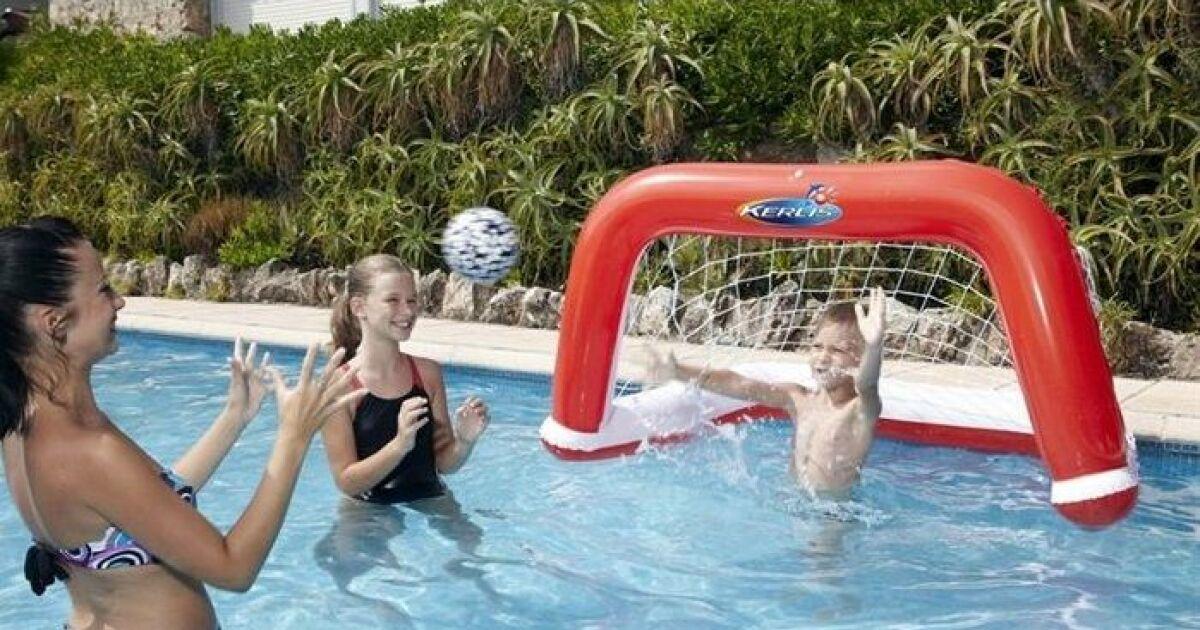 Galerie photos jeux et gonflables de piscine cage de for Bebe dans piscine