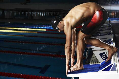 """Caleçon de bain rouge et noir pour homme spécial compétition Speedo<span class=""""normal italic petit"""">© Speedo</span>"""