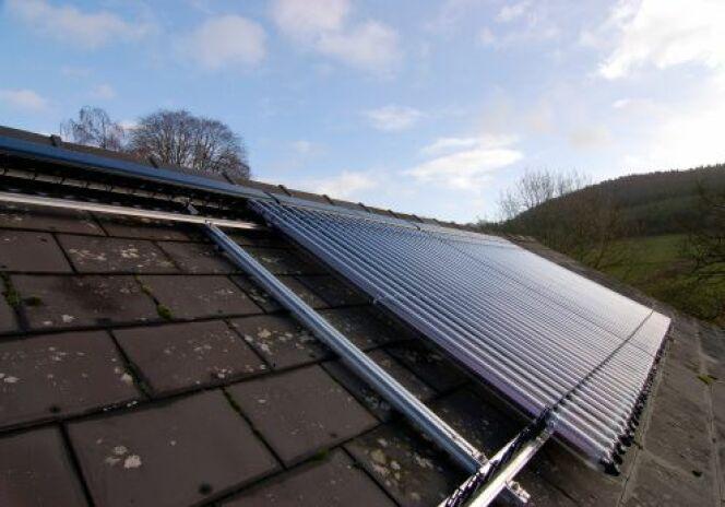 Le capteur solaire pour la piscine chauffer l 39 eau for Panneau solaire piscine