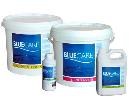 "Blue Care par Carré Bleu  <span class=""normal italic petit"">© Carré Bleu</span>"